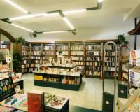 143-111-Firma Knihcentrum Jindřichův Hradec -003.jpg