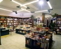 142-109-Firma Knihcentrum Jindřichův Hradec -001.jpg