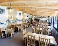 19-Africká restaurace areál Malevil-004.jpg