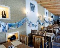15-Africká restaurace areál Malevil.jpg