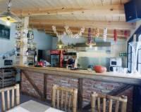 17-Africká restaurace areál Malevil-002.jpg