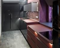 Kuchyně bordová a metalický antracit.jpg